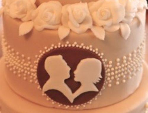 Wedding cake with cameo